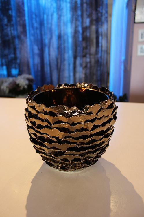 Cache-pot bronze fabriqué à la main