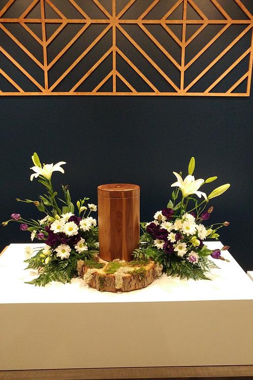 Arrangement latéral pour urne