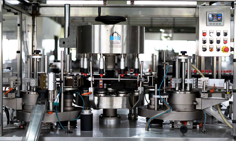 Automatic fill/seal and Italian BRB rotary label applicator line at 150 BPM