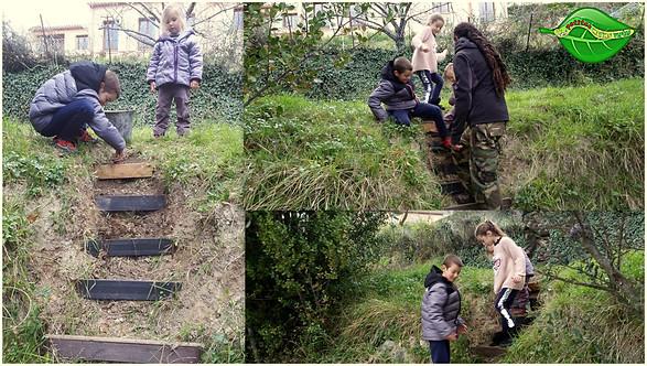 Journée de travail avec des petites mains vertes, création d'un escalier.