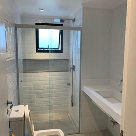Reforma banheiro suite.