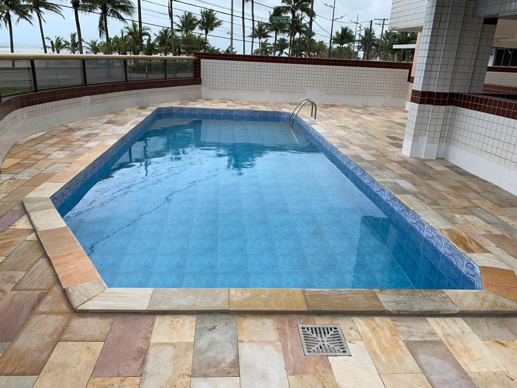 Impermeabilização área piscina e borda.