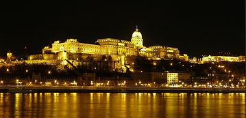 Buda_Castle_by_night_2.jpg