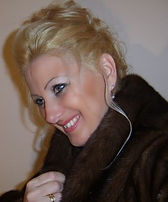 Premium Lounge Swiss bietet hochqualitative Dienstleistungen in Ungarn;  Schönheitschirurgie, Zahnärzte, Weekend-Reise nach Budapest, Designer Haute Couture Mode & Schuhe, Hochzeitskleider, private Transfer  Flughafen-Hotel-Flughafen, Full-Time Deutsch-Ungarische persönliche  Begleitung ab CH & Retour, fashion, luxus,