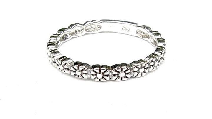 Daisy Band Ring
