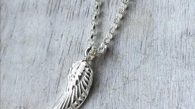 Midi Wing Necklace