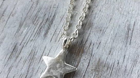 Midi Star Necklace