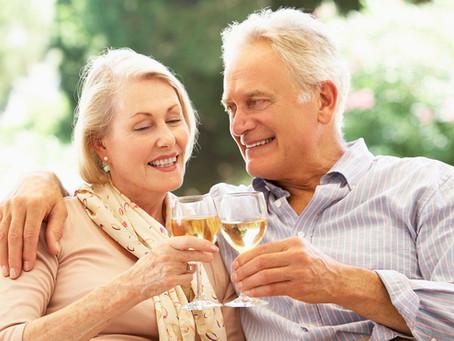 Makul miktarda alkol ve kahve içenler 'daha uzun yaşıyor'