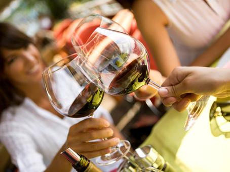 AIRBNB,experiences (deneyimler) Şarap ve Yeme-İçme Dünyası İçin Yeni Bir Sosyal Medya Mecrası mı?