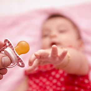 Pacifier or No Pacifier, What Is The Right Answer?