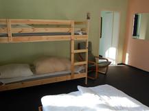 Gästeraum 2 mit Etagenbett und Doppelbett - Bestandteil bei FeWo-Anmietung