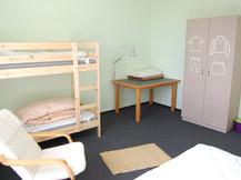 Gästeraum 3 mit Etagenbett und Doppelbett