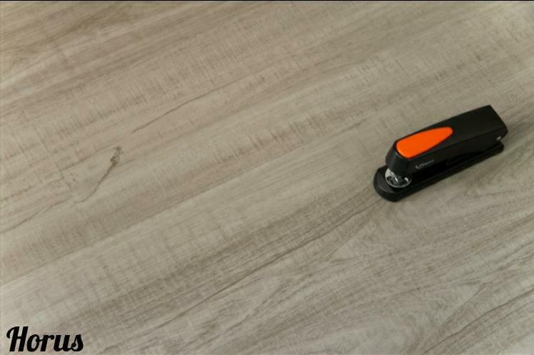 Piso Vinilico 3mm PVC Colado em Régua I Preço R$ 349,90 Caixa com 3,37m2