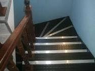 Borracha Pastilhada em Escada
