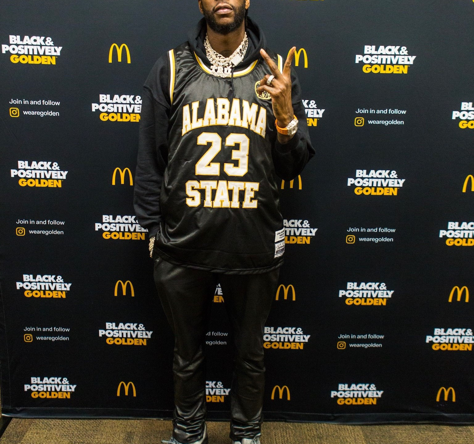 2 Chainz before performing at t