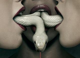 Mata a Cobra e Mostra o Pau ou vice versa.