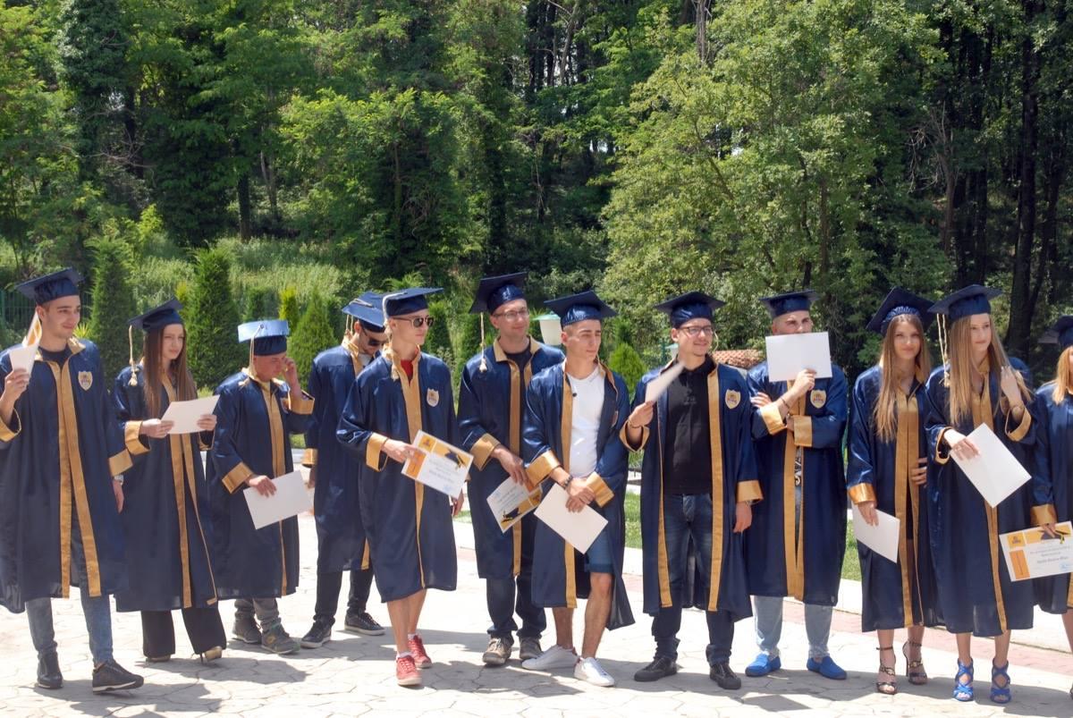 Ceremonia e Matures 2016 shkolla Wilson10