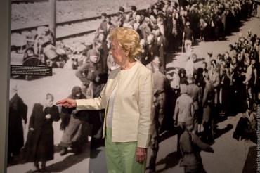 Powerful Photos From Auschwitz Seen Through a Survivor's Eyes