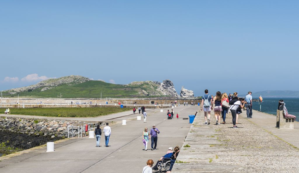 Howth harbour and promenade