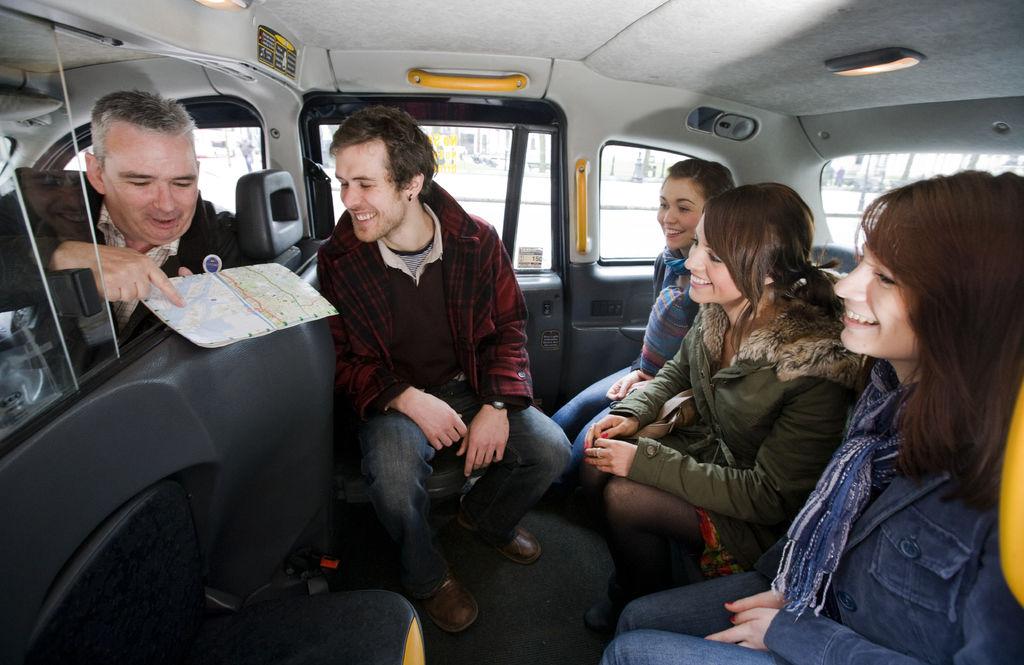 Black taxi tour Belfast