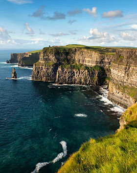 the cliffs of moher and atlantic ocean