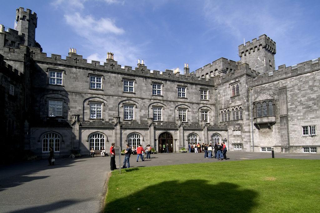 Front entrance of Kilkenny Castle