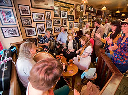 traditional irish music session in a Galwa pub
