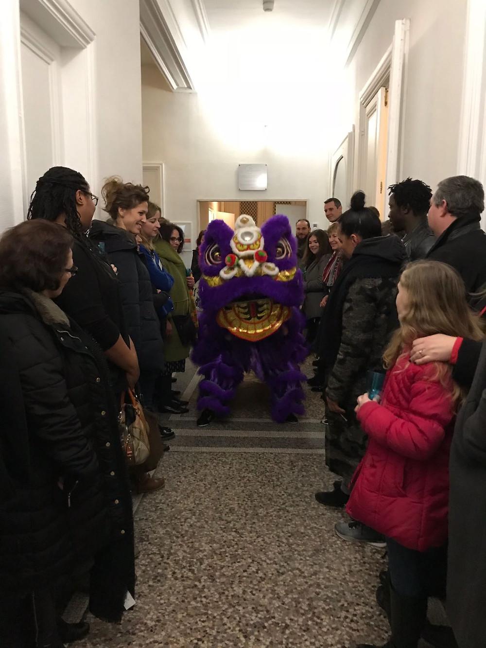 inauguration pole therapeutes nouvel an chinois defilé lion chinois elbeuf rouen