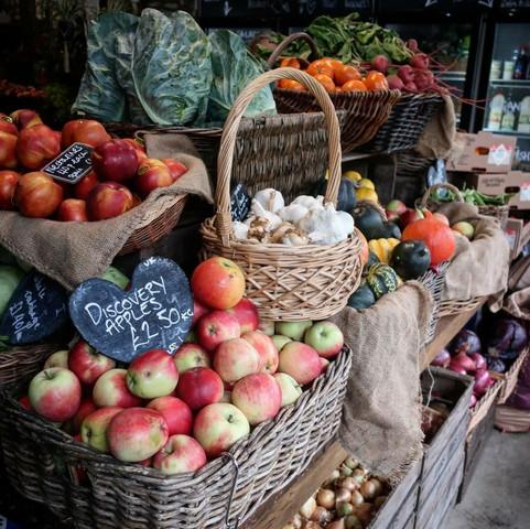 Fresh Seasonal Fruit & Veg