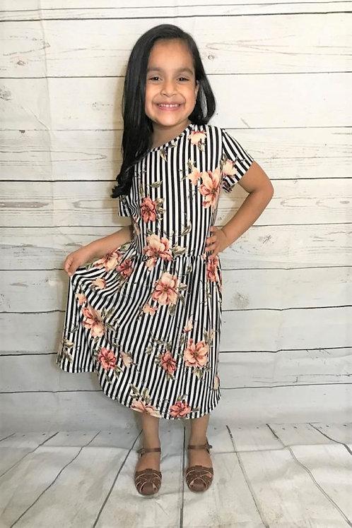 K1101 Midi dress, short sleeve, round neck, cinched waist, pleats
