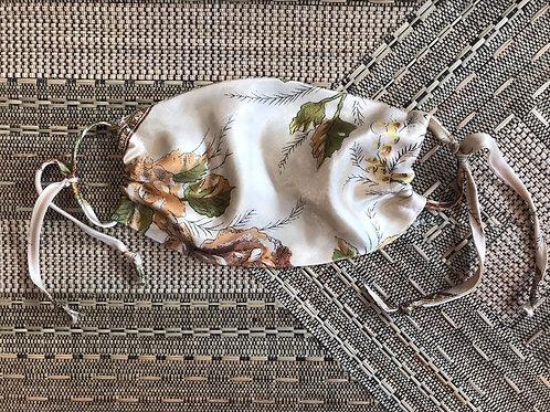 MASUKU Cream Floral Silk Face Covering