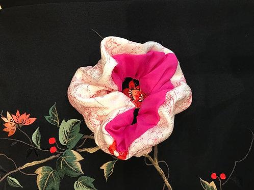 SHIRUKI  Pink and White Silk Hair Scrunchie