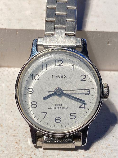 1970's Timex Ladies Dress Watch on Bracelet
