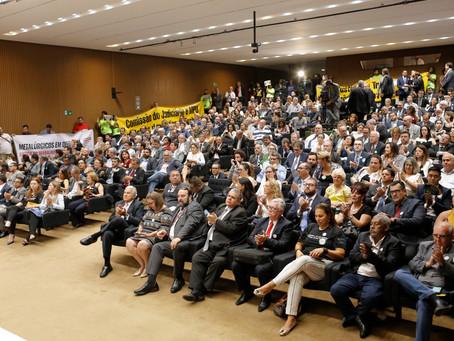 Mais de 500 unem-se na Câmara dos Deputados em ato histórico em defesa da Justiça do Trabalho