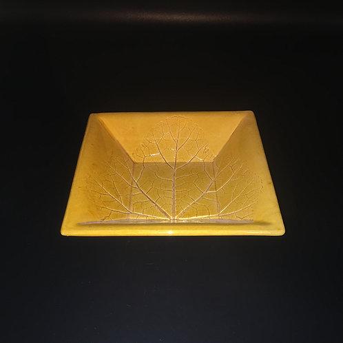 Plat carré feuille incrustée miel