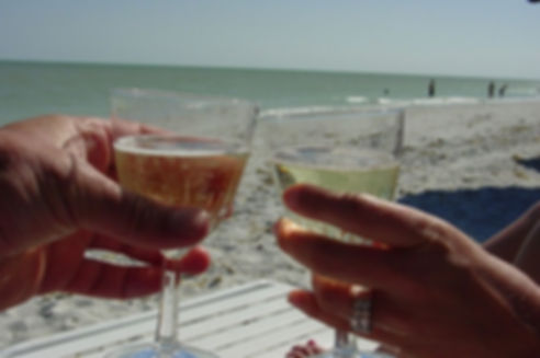 champagne-13319_640.jpg