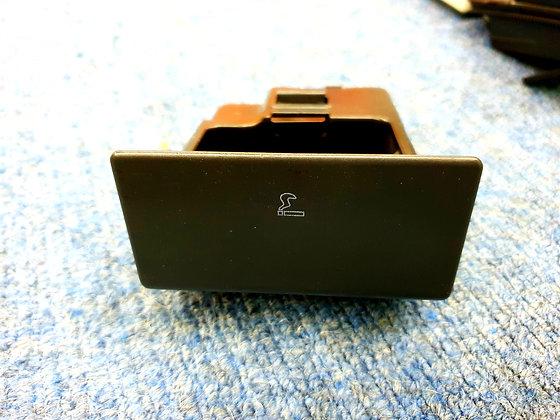 Discovery 2 ashtray
