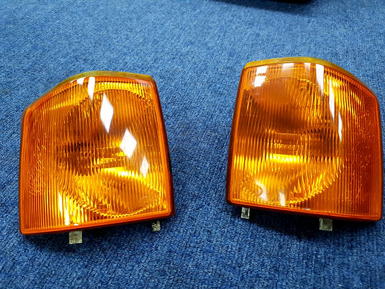 Discovery 1 front indicator lens amber
