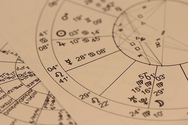 astrology-993127_1920 (2).jpg