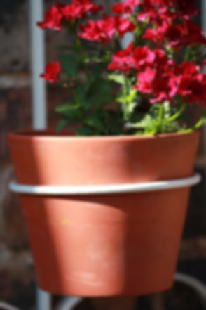 Traditional Three Pot Planter 1
