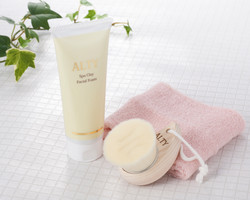 ALTY facial foam with brush