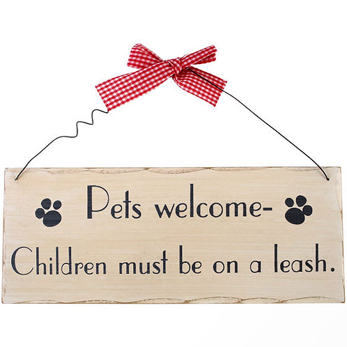 Pets welcome plaque