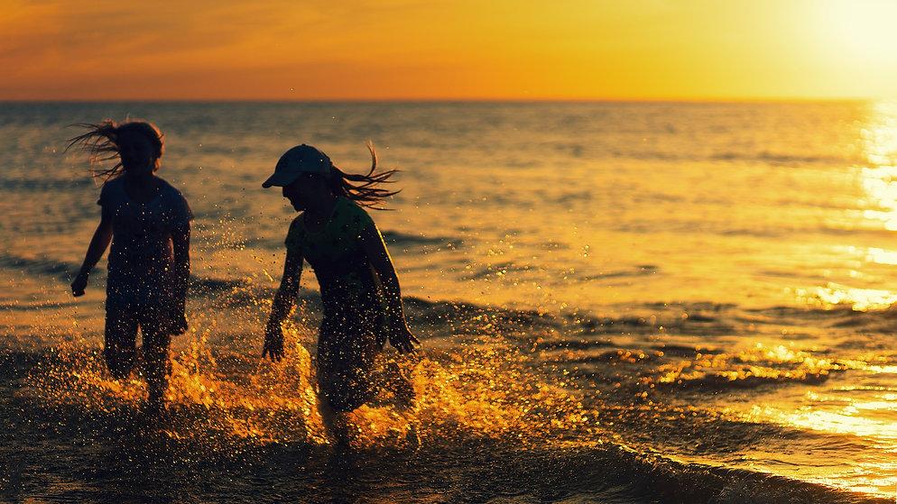 beach-4524911_1920.jpg