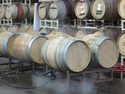 Cleaning wine barrels