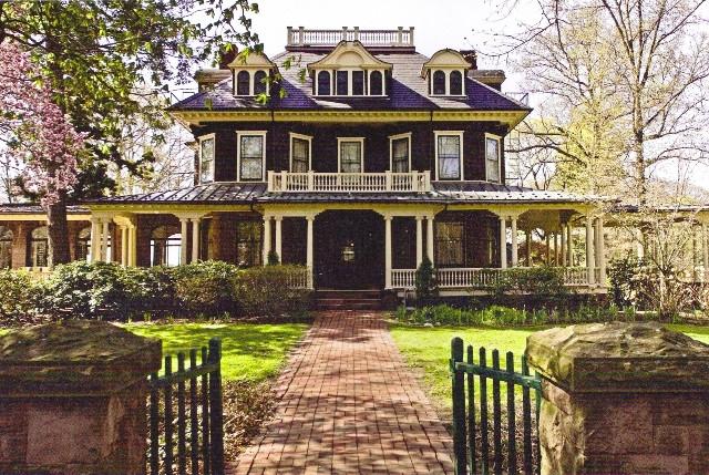 Oakeside Mansion.jpg