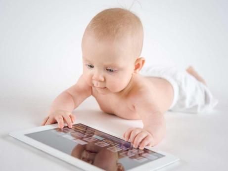 Подумаем о влиянии планшетов на развитие наших детей