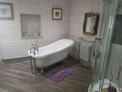Roll top bath