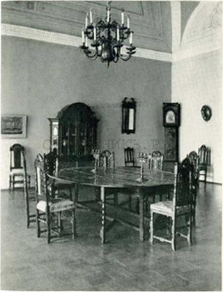 Обеденный стол, Россия, 18 век