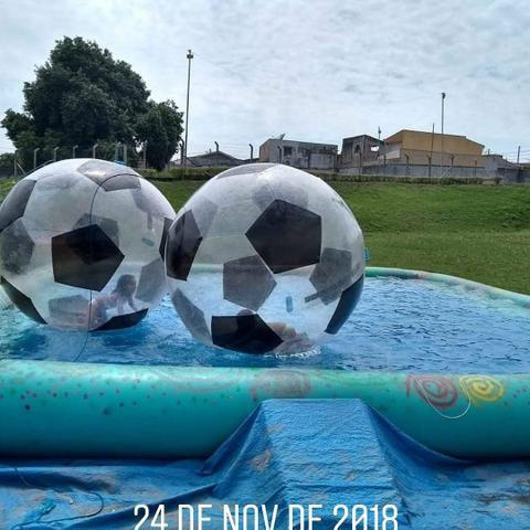 piscina8x8-com walter ball.jpg