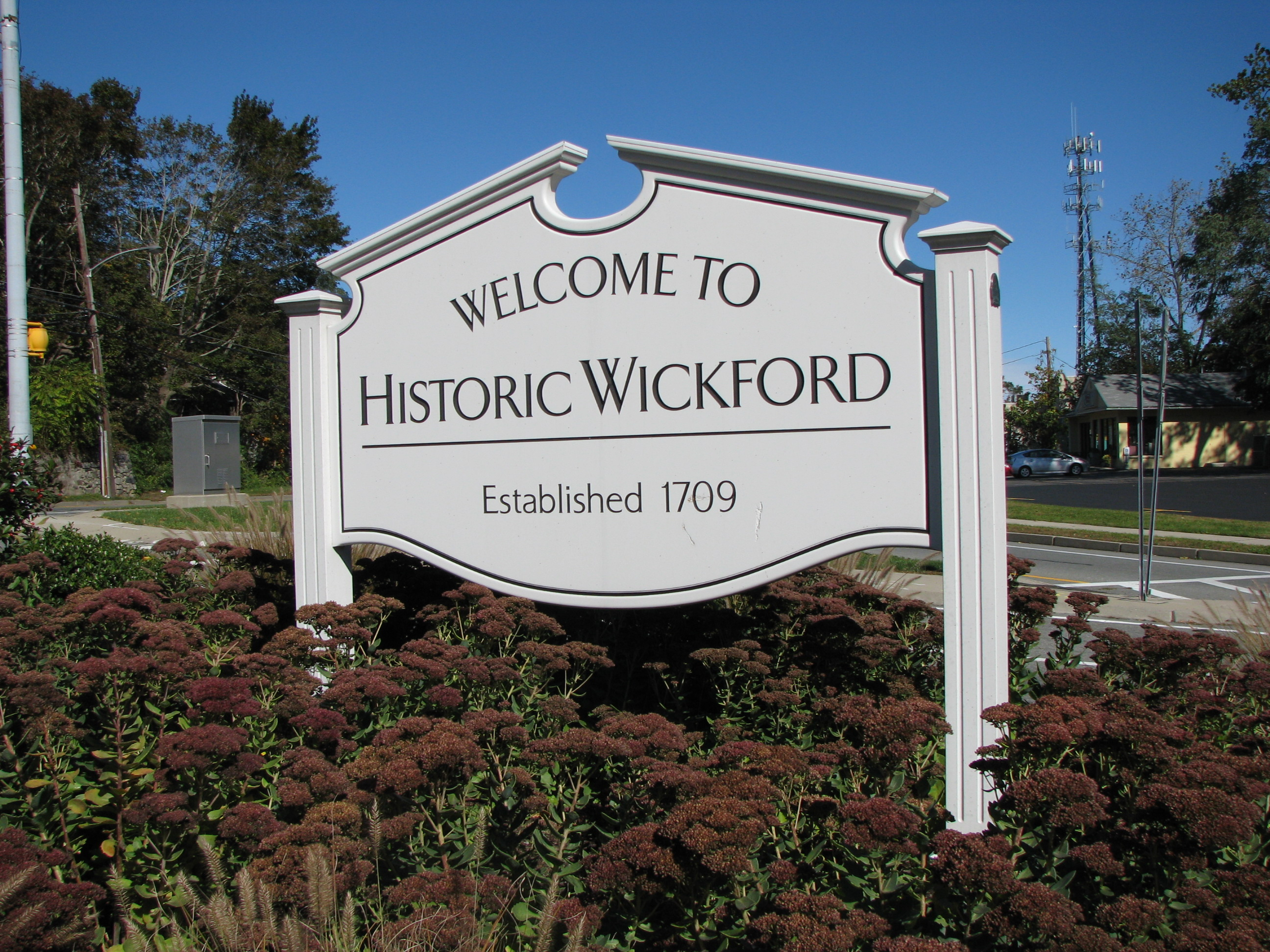 IMG_4386 Welcome to Wickford.JPG